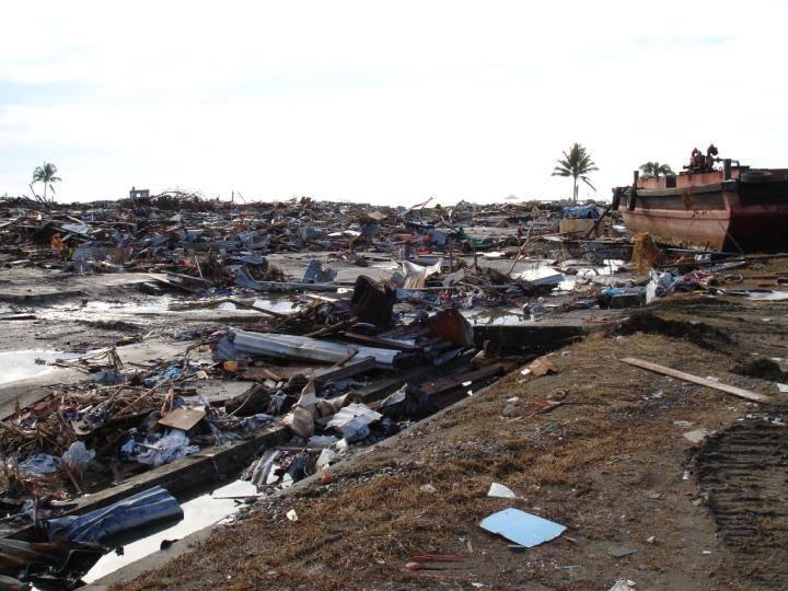 Indonesia: Emergenza Terremoto E Tsunami